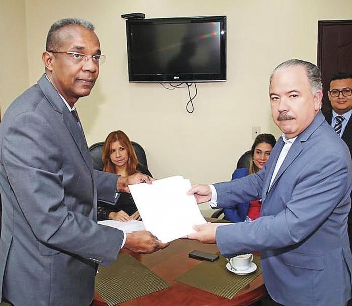 Consultas_al_proyecto_de_reformas_constitucionales_entran_en_la_recta_final-0