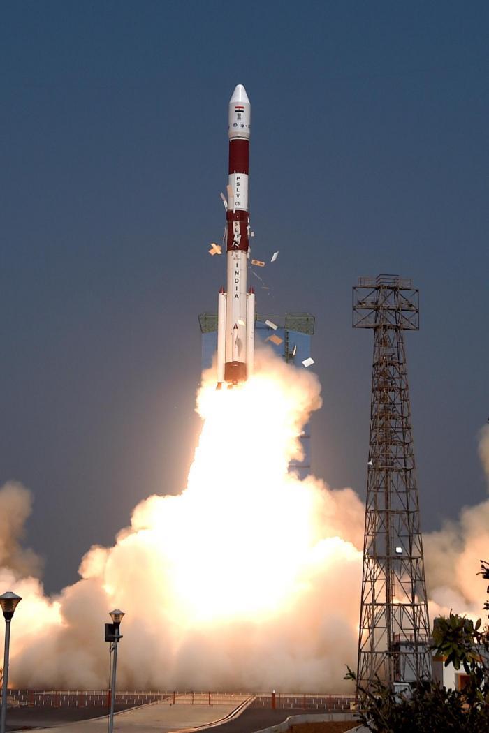 Lanzamiento del PSLV-C51 en India