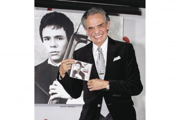 Mundo de la música latina se despide de José José