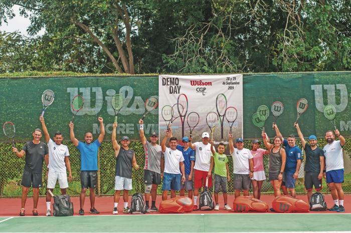 Equipo_del_Sheraton_se_corona_campeon_interclubes_de_tenis-0