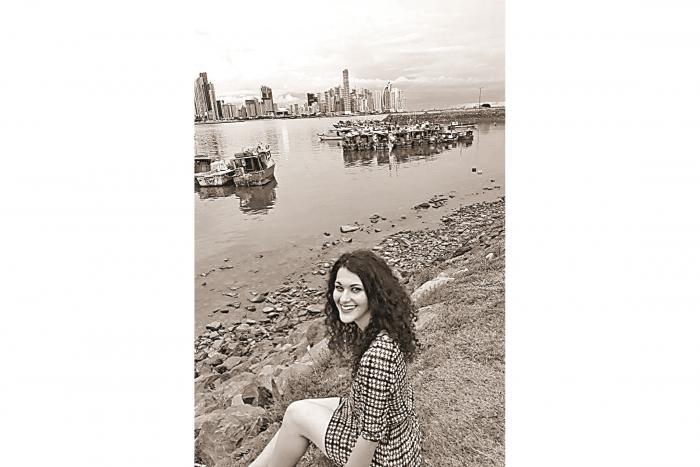 Elisa, originaria de Turín, Italia, migró a Panamá junto a sus padres en 2015 para poder estudiar la Universidad.