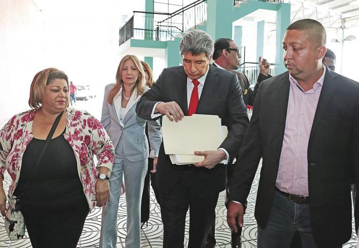 Juez_extingue_pena_a_Moncada_Luna_y_lo_inhabilita_de_funciones-1