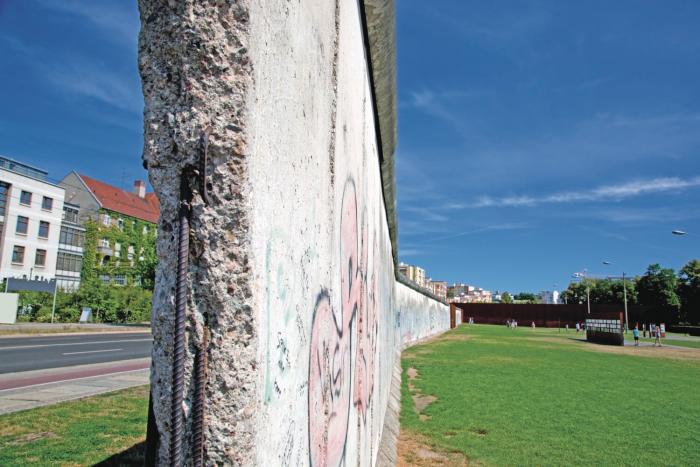 La_caida_del_muro_de_Berlin_una_inflexion_en_la_historia_alemana-2