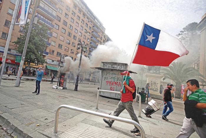 Sexto_dia__Chile_mantiene_el_fervor_en_las_calles-0