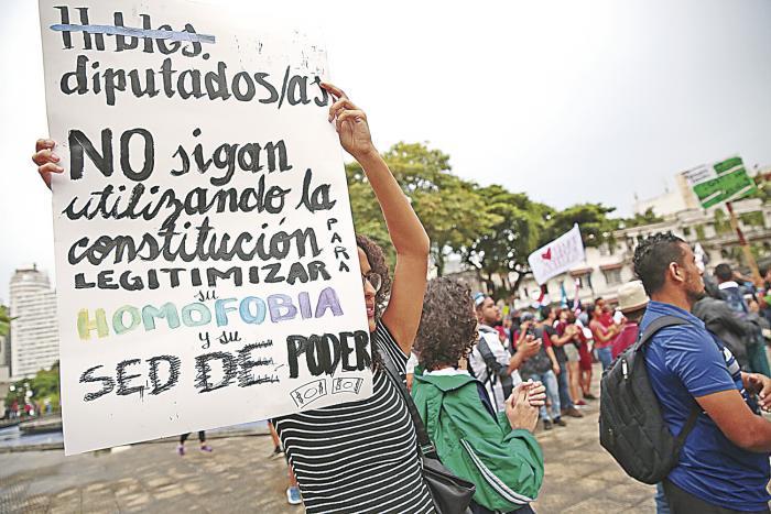 Enfrentamiento_en_la_Asamblea_por_reformas-1