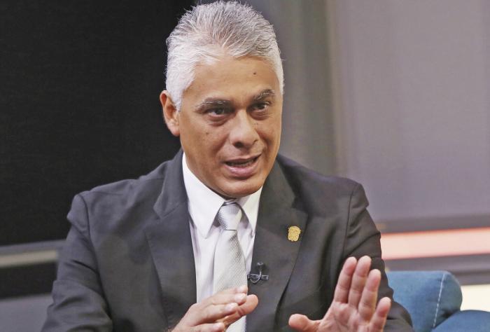 Denuncian a ministro del expresidente Varela