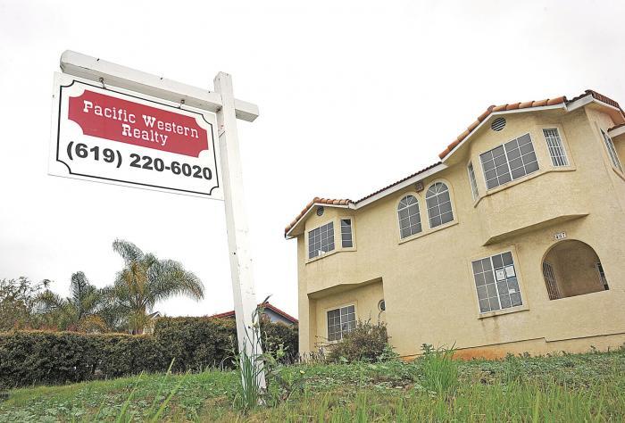 Corredores de bienes raíces e inmobiliarias, entre multas y quejas