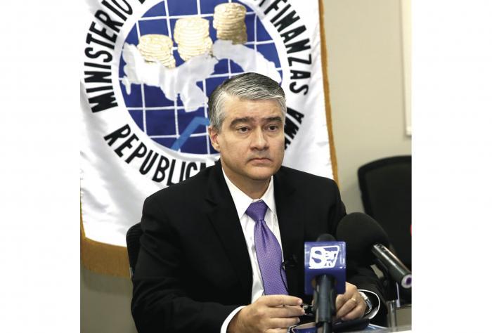 Denuncian penalmente al ex ministro De la Guardia y a Joseph Fidanque III 0