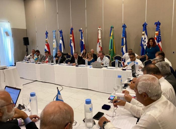 Panamá estuvo representada por la presidenta de la Unión Nacional de Corredores de Aduanas de Panamá, Dessiree Montero y porla Directora General de Aduanas, Tayra Barsallo.