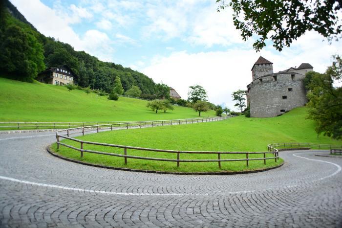 castle-176130_1280