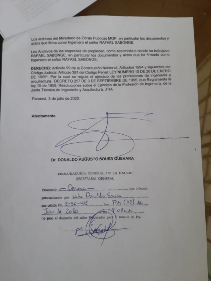 Denuncia criminal contra Rafael Sabonge, titular del MOP, por ejercicio ilegal de la profesión de ingeniero