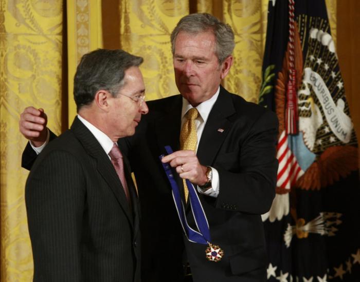 Álvaro Uribe George Bush
