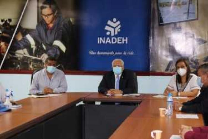 Instalación del comité de relacionamiento laboral del Inadeh