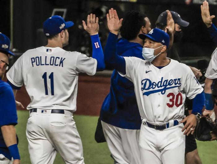Los Dodgers empatan la serie con los Bravos