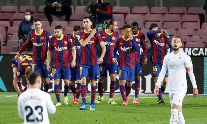 El Barcelona se acerca a la cabeza