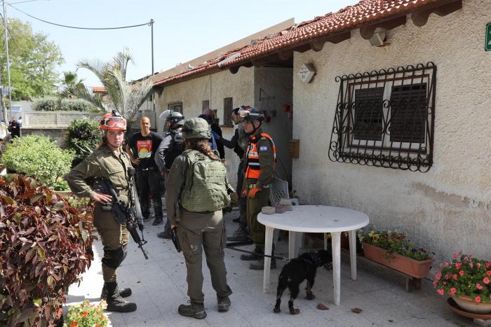 Los enfrentamientos entre palestinos y la Policía israelí en la Explanada de las Mezquitas volvieron esta noche a Jerusalén Este ocupado