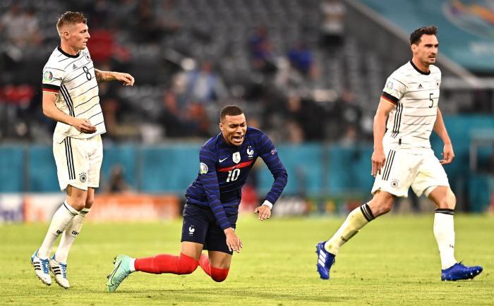 Francia derrota 1-0 a Alemania