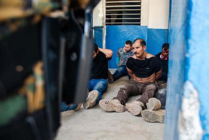 Unas 17 personas han  sido identificados como parte del comando, 15 exmilitares colombiano y dos estadounidenses de origen haitano.