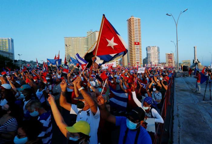 Manifestación en apoyo del gobierno cubano, La Habana.