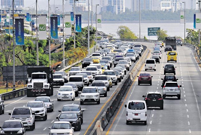 Discuten proyecto de ley sobre circulación vehicular por placas