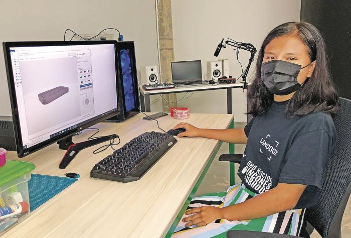 Un espacio tecnológico y creativo para jóvenes en riesgo social