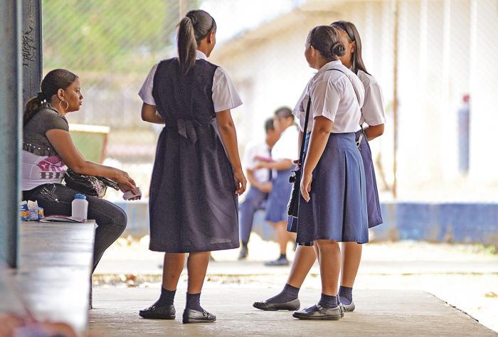 'Mientras la maternidad temprana en África es proyecto, en América Latina es un destino'