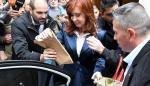 Termina primer día de juicio contra Cristina Kirchner que denuncia 'persecución'