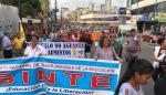 Trabajadores de la construcción marchan contra el alza de la tarifa eléctrica