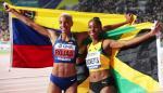 Yulimar Rojas, de Venezuela (d) junto a Shanieka Ricketts, de Jamaica (i).