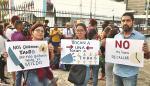 Jovenes_protestan_en_contra_del_diputado_Arias-0