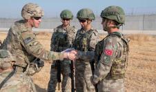 Soldado norteamericanos y turcos