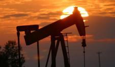 Precio del petróleo sigue cuesta abajo