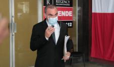 Juez elimina la medida de notificación periódico para Rolando López