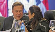 Juan Carlos Varela y Isabel de Saint Malo