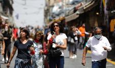 Muchos israelíes salieron hoy a la calle sin la mascarilla puesta