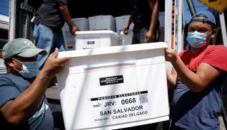Las autoridades de seguridad de El Salvador consideran que con esta medida se evita que los ciudadanos voten bajo los efectos del alcohol