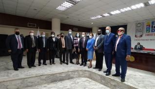 Participantes de la firma del pacto ético universitario.