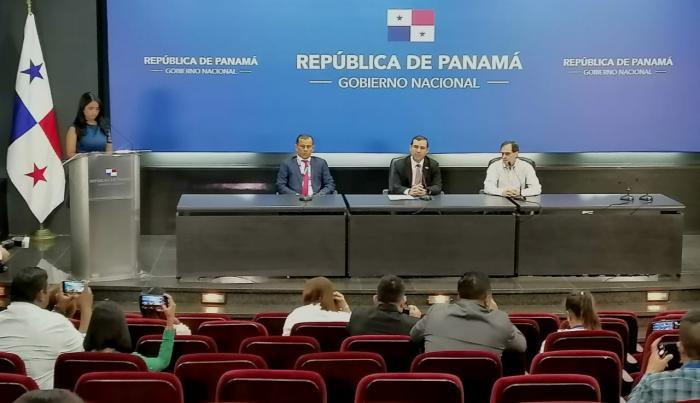 Conferencia de prensa sobre la adjudicación de la Línea 3 del Metro