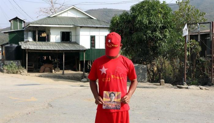 """Policías birmanos huidos a India: """"No podíamos disparar a nuestros parientes"""""""