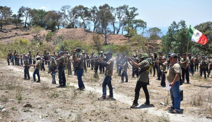 Menores policías en México