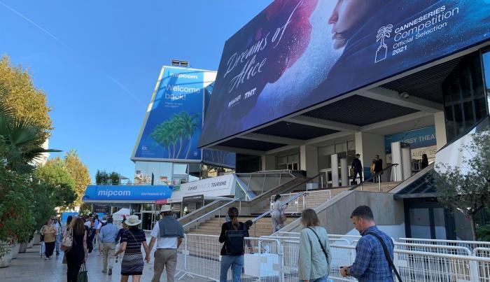 El Palacio de Festivales de Cannes, sede estos días del mercado audiovisual Mipcom.