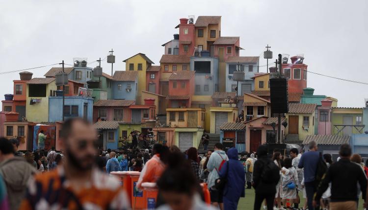 Vista del espacio Favela durante de la segunda jornada del festival Rock in Río este sábado en Río de Janeiro
