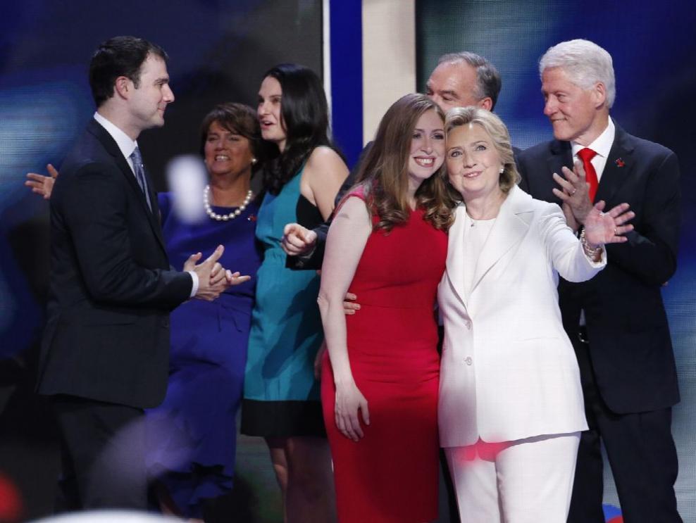 Hillary hace historia...