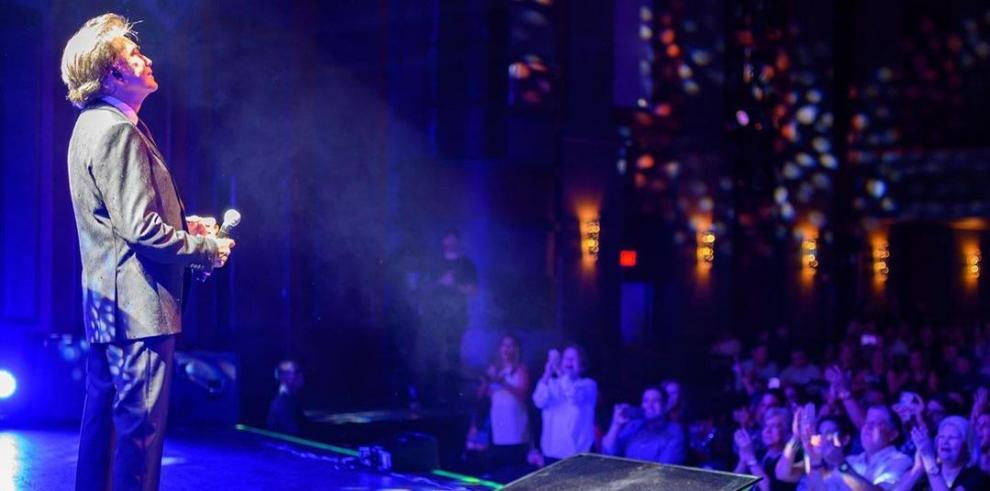 El Puma emociona en Miami con su primer concierto tras