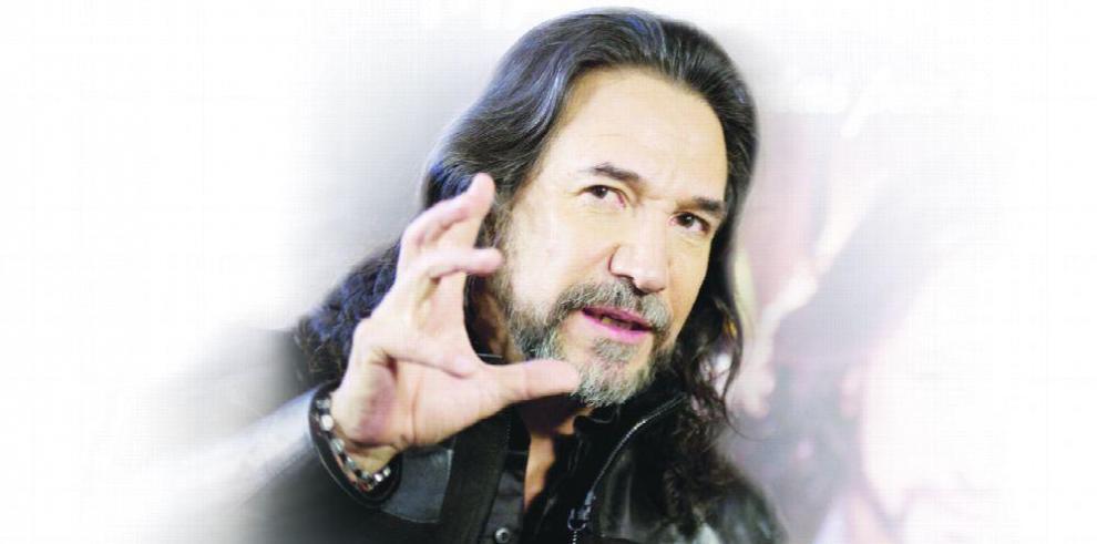 Marcos Antonio Solís en concierto