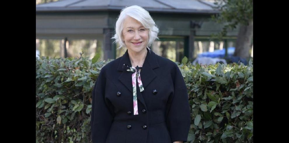 Helen Mirren comparó trabajar en 'Catherine the Great' con entrar a un 'convento'