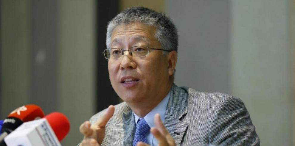 Embajador chino denuncia