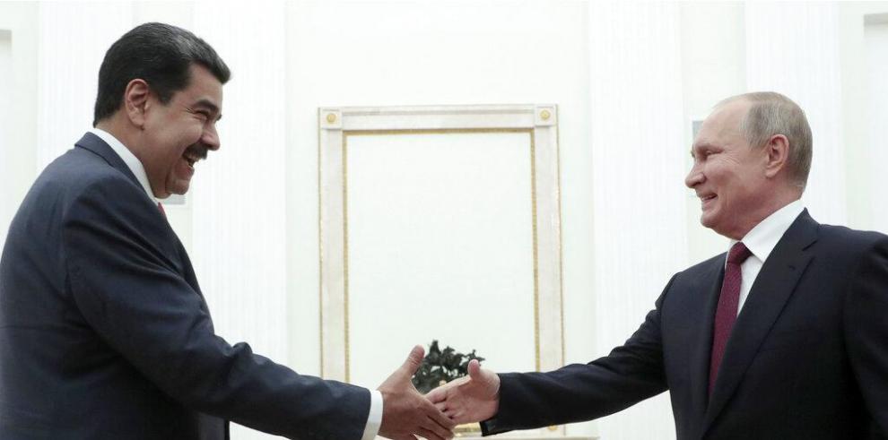 Presidente Nicolás Maduro junto el presidente Vladimir Putin