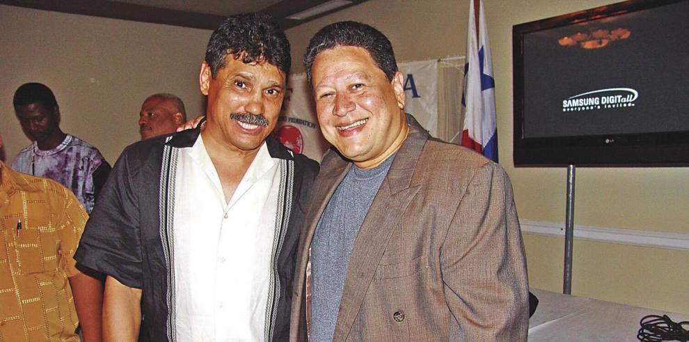 Comision_de_Boxeo_de_Panama_distingue_a_Daniel_Alonso_con_la_medalla_Dr._Elias_Cordoba-0