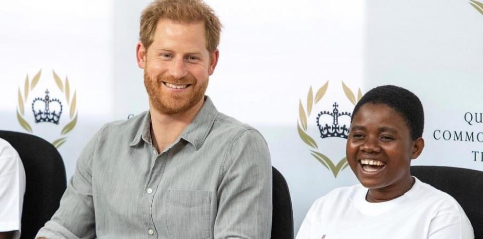 El príncipe Enrique de Inglaterra se entrevistó  el presidente de Malaui, Peter Mutharika